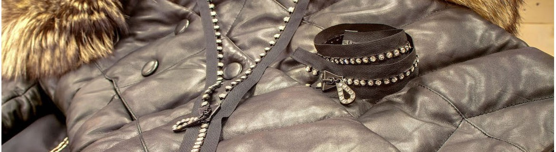Fermeture à glissière Swarovski Parce que rien n'est trop beau pour passer le plus agréable et le plus chaud des hivers sous votre superbe manteau, vous pouvez désormais faire le choix du luxe, du haut de gamme...Au détour d'une large collection de mant